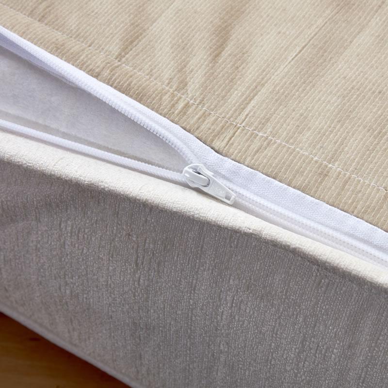 zipper cover closeup
